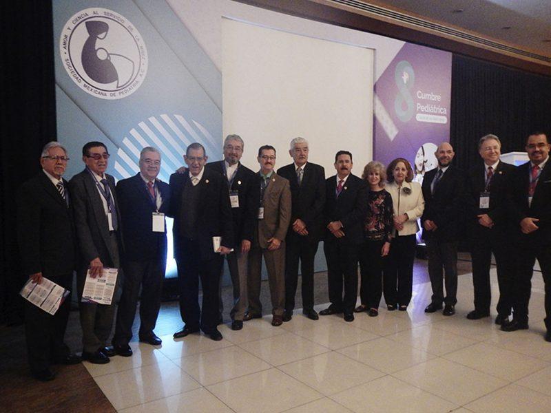 8a-Cumbre-Pediatrica-Sociedad-Mexicana-Pediatria-_0036_expresidentes